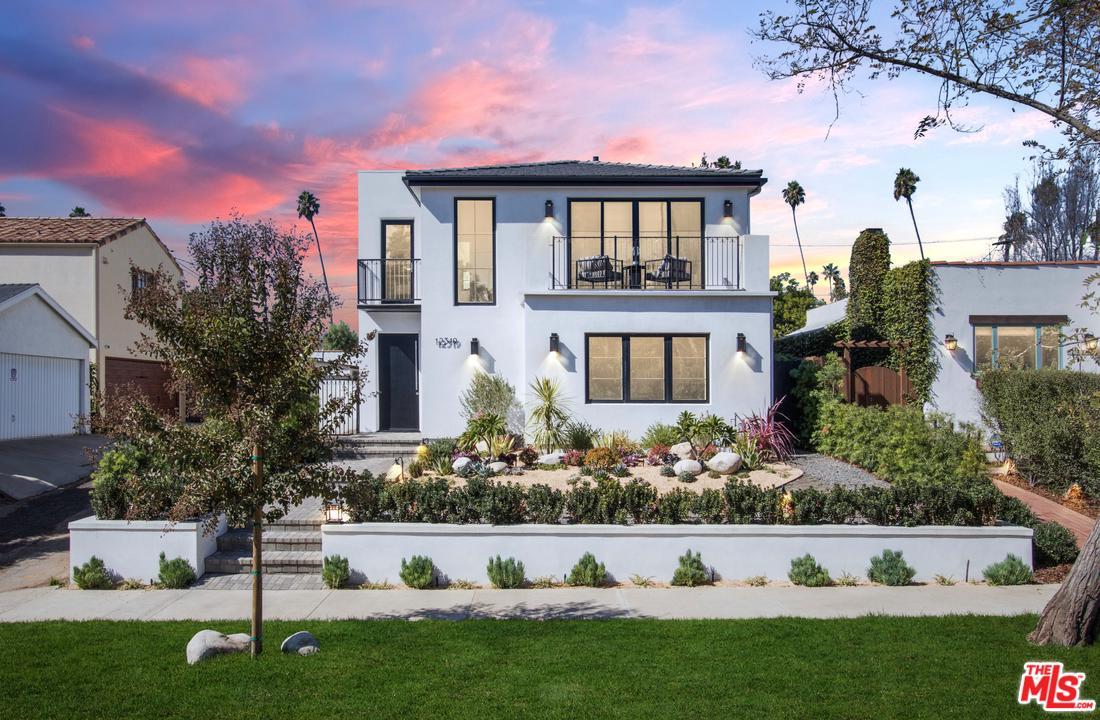 Photo of 12319 DARLINGTON Avenue, Los Angeles, CA 90049